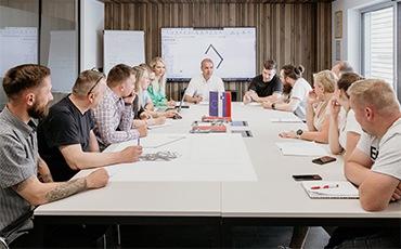 Management und Mitarbeiter