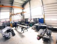Herstellung der Konstruktion in der Produktionshalle