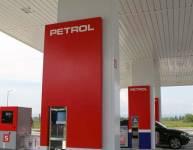 Metallelemente der Tankstelle (8)